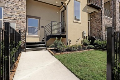 2643 Boulevard Fountain Key Houston Texas 77008 for only  $435000 with 3.5 baths / 3 bedrooms - Townhouse/Condo