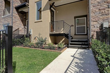 2655 Boulevard Fountain Key Houston Texas 77008 for only  $414000 with 3.5 baths / 3 bedrooms - Townhouse/Condo