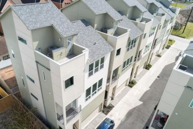 942 Street 18th Houston Texas 77008 for only  $389990 with 3.5 baths / 3 bedrooms - Townhouse/Condo