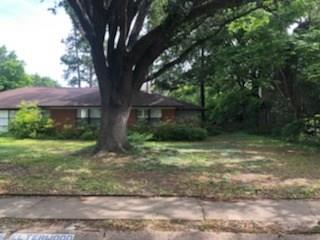 1022 Drive Shelterwood Houston Texas 77008 for only  $430000.00 with 0.00 baths /  bedrooms - Lots