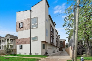 1539 Street 23rd Houston Texas 77008 for only  $450000.00 with 3.30 baths / 3 bedrooms - Single-Family