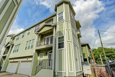 1109 Street 15th 1/2 Houston Texas 77008 for only  $320000.00 with 3.10 baths / 3 bedrooms - Single-Family