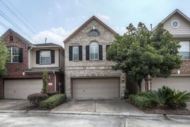 1374 Place Ella Houston Texas 77008 for only  $399900.00 with 2.10 baths / 3 bedrooms - Single-Family