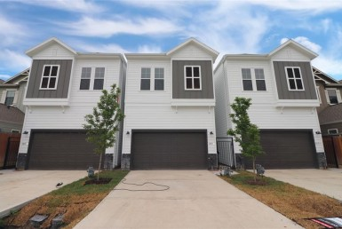 1915 Street 15th Houston Texas 77008 for only  $489900.00 with 2.10 baths / 3 bedrooms - Single-Family