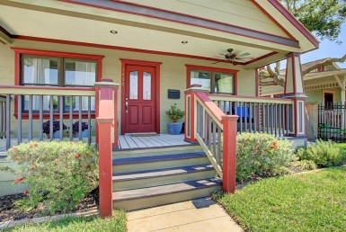 1430 Street Studewood Houston Texas 77008 for only  $509000 with 2 baths / 2 bedrooms - Single-Family