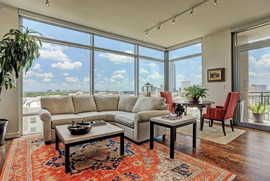 2207 Street Bancroft Houston Texas 77027 for only  $623500 with 2 baths / 2 bedrooms - Mid/Hi-Rise Condo