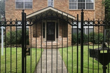1822 Street Rosedale Houston Texas 77004 for only  $675000 with 1 baths / 2 bedrooms - Multi-Family