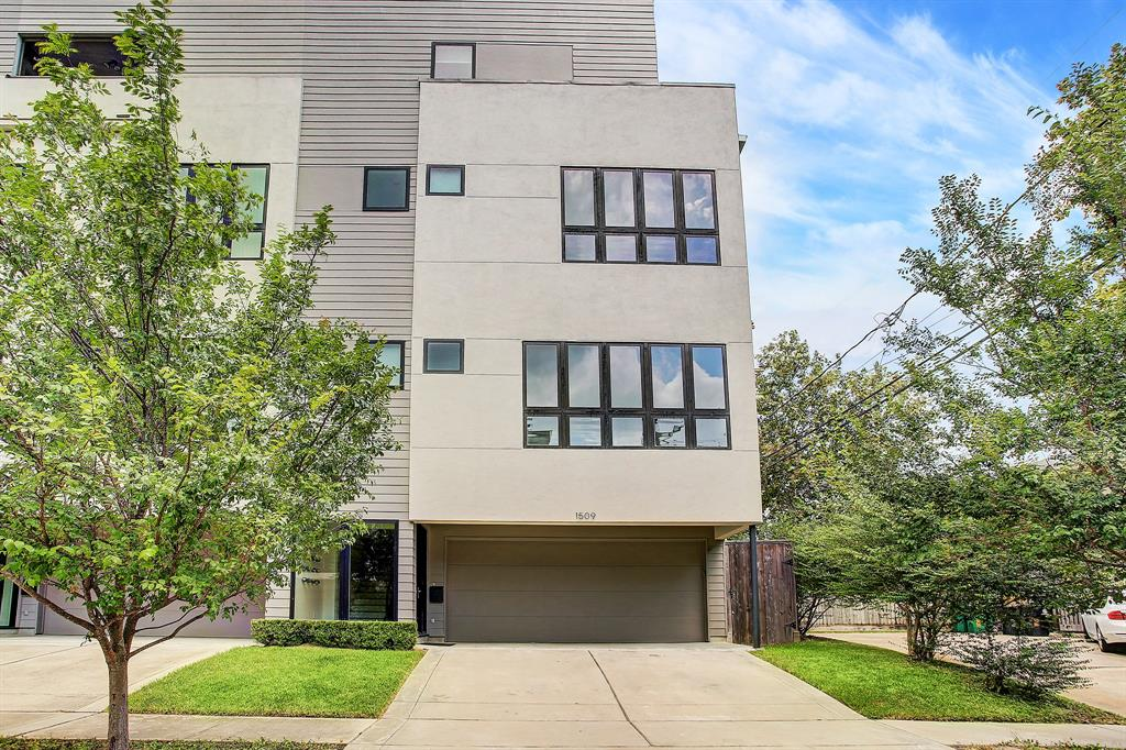 1509 Street Eberhard Houston Texas 77019 for only  $699000 with 3.1 baths / 3 bedrooms - Townhouse/Condo