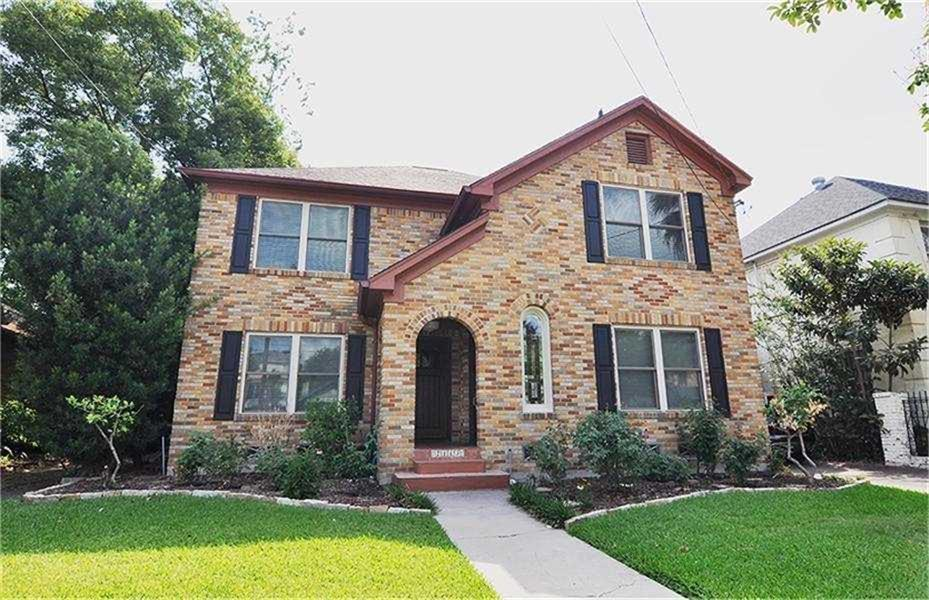 2413 Street Woodhead Houston Texas 77019 for only  $699900 with 2 baths / 4 bedrooms - Multi-Family