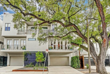 1405 B Street Vermont Houston Texas 77006 for only  $715000 with 3.1 baths / 3 bedrooms - Townhouse/Condo