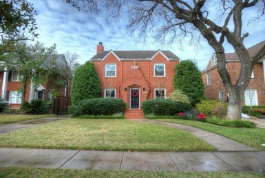5720  Buffalo Speedway Houston Texas 77005 for only  $5100.00 with 3.10 baths / 3 bedrooms - Rental