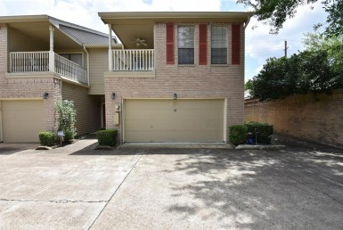 7350 Drive Kirby Houston Texas 77030 for only  $2000.00 with 2.10 baths / 2 bedrooms - Rental