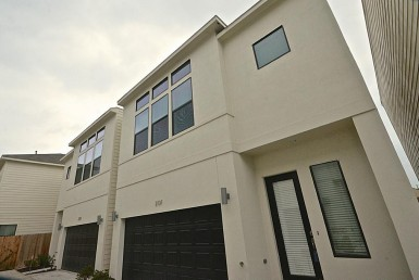 2131 Street Engelmohr Houston Texas 77054 for only  $2250.00 with 2.10 baths / 3 bedrooms - Rental