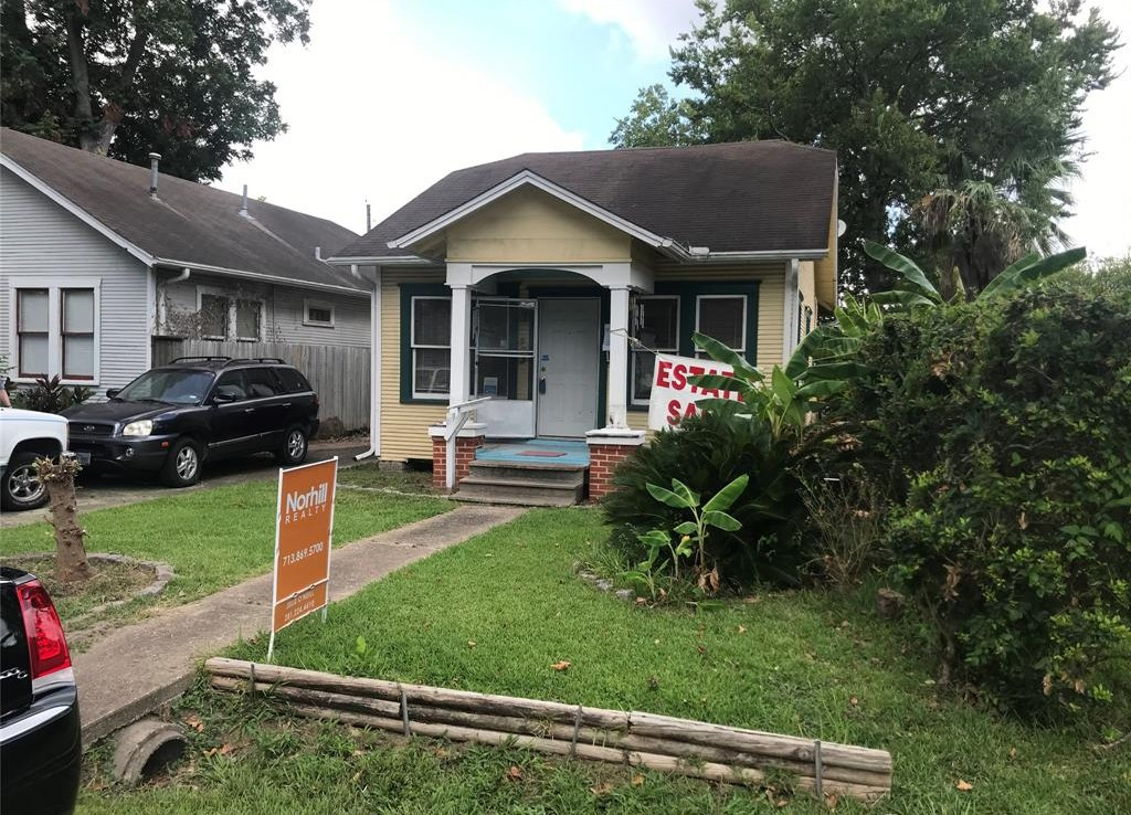 503 Street 28th Houston Texas 77008 for only  $249900 with 1 baths / 2 bedrooms - Single-Family