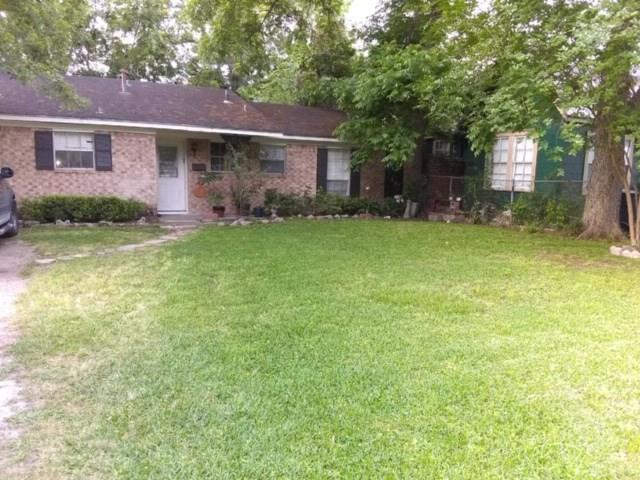 1514 Street 21 Houston Texas 77008 for only  $340000 with 2 baths / 2 bedrooms - Single-Family