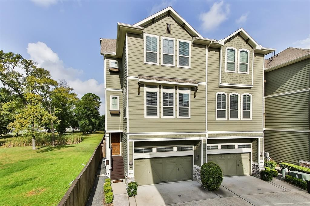 1505 Lane Bently Green Houston Texas 77008 for only  $359900 with 3.1 baths / 3 bedrooms - Townhouse/Condo