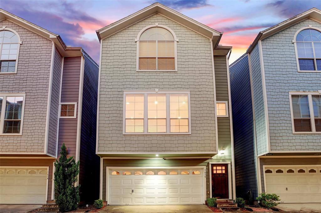 1616 Street 13th Houston Texas 77008 for only  $364900 with 2.1 baths / 2 bedrooms - Single-Family