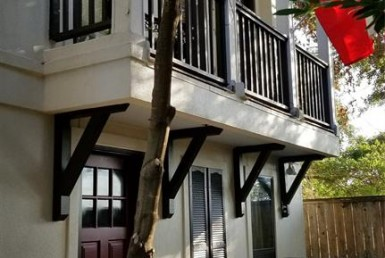 3201 Street Maxroy Houston Texas 77008 for only  $397000 with 3.1 baths / 3 bedrooms - Townhouse/Condo