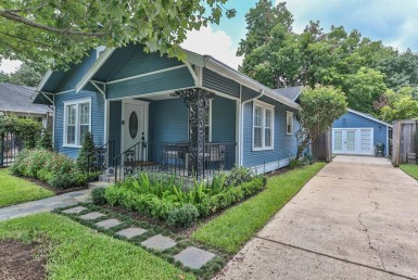4302 Street Julian Houston Texas 77009 for only  $649900 with 2 baths / 3 bedrooms - Single-Family