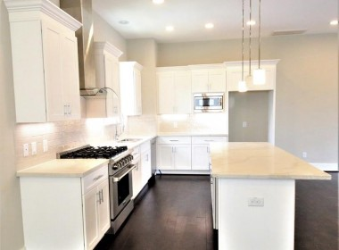 1122 Street 22nd Houston Texas 77008 for only  $369000.00 with 3.10 baths / 3 bedrooms - Single-Family