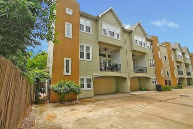 1136 Street 26th Houston Texas 77008 for only  $345000 with 3.1 baths / 3 bedrooms - Townhouse/Condo