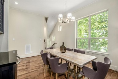 1504 Street 24th Houston Texas 77008 for only  $415000 with 3.1 baths / 3 bedrooms - Single-Family