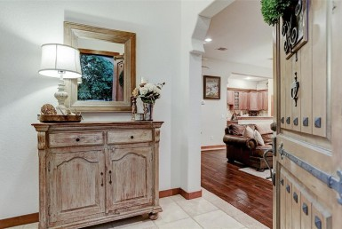 1801 Street 24th Houston Texas 77008 for only  $389000 with 2.1 baths / 3 bedrooms - Single-Family