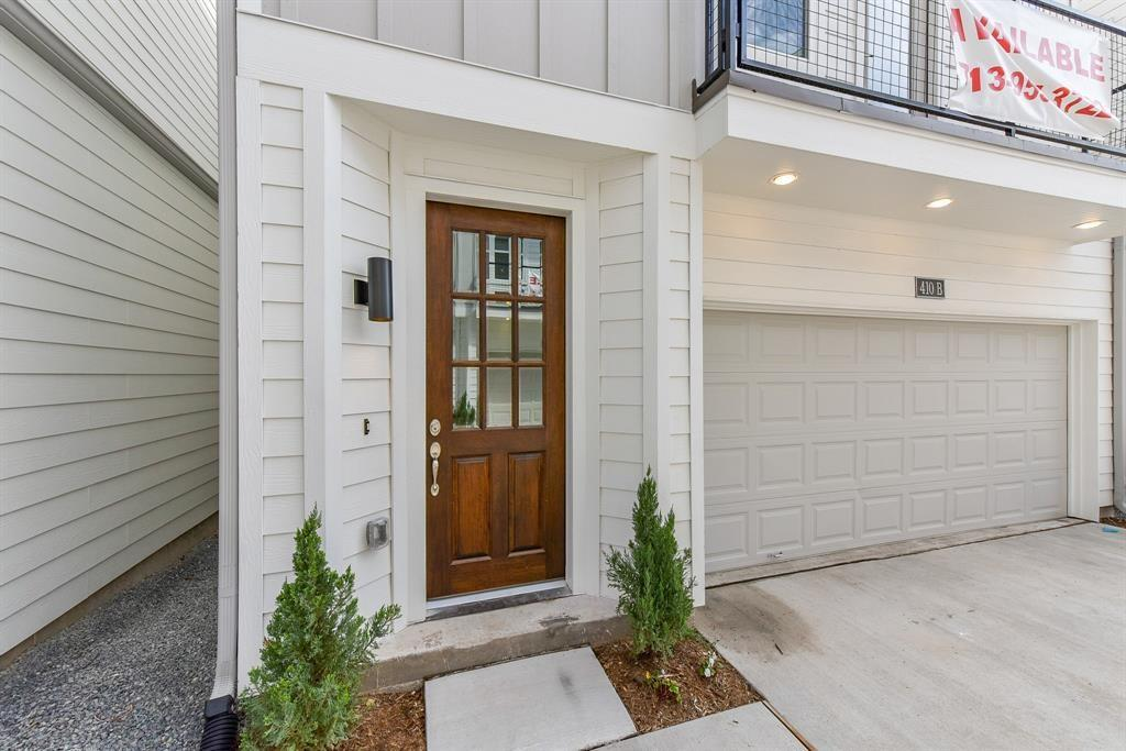 420 Street 28th C Houston Texas 77008 for only  $371990 with 3.1 baths / 3 bedrooms - Single-Family