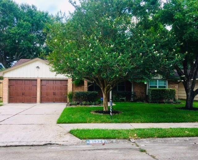 1834 Court Greengrass Houston Texas 77008 for only  $459900 with 1.1 baths / 3 bedrooms - Single-Family