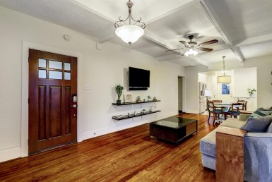607 Street 28th St Houston Texas 77008 for only  $394900.00 with 1.00 baths / 2 bedrooms - Single-Family