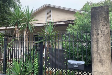 1030 Street 21st Houston Texas 77008 for only  $351200.00 with 2.00 baths / 2 bedrooms - Single-Family