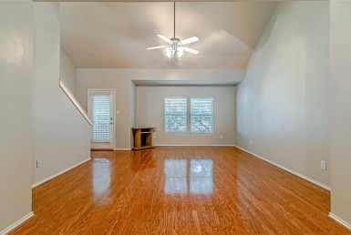 1131 Street 24th Street Houston Texas 77008 for only  $287000.00 with 2.00 baths / 2 bedrooms - Townhouse/Condo