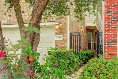 1335 Place Ella Houston Texas 77008 for only  $399900.00 with 2.10 baths / 3 bedrooms - Single-Family