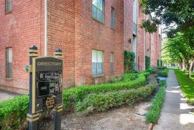 4041 Street Law Houston Texas 77005 for only  $217900.00 with 2.00 baths / 2 bedrooms - Townhouse/Condo