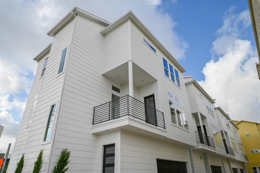Houston Heights Home of The Day – $360000.00 – 3bed/3.1baths – MLS: 1485112286